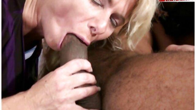 Rubia sexy mamas maduras tetonas caliente folla apasionadamente con su amante