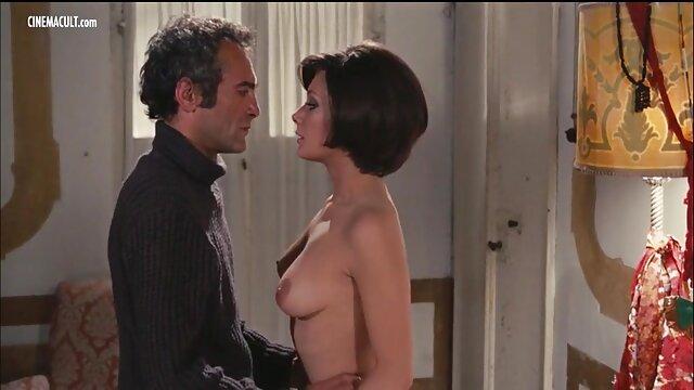Doble penetración apasionada para la joven rubia Olivia culiando a mi madre Jameson