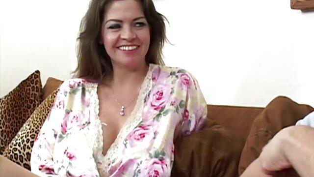 Novias folladas por videos xxx de mama e hijos el culo mientras los maridos están en el trabajo